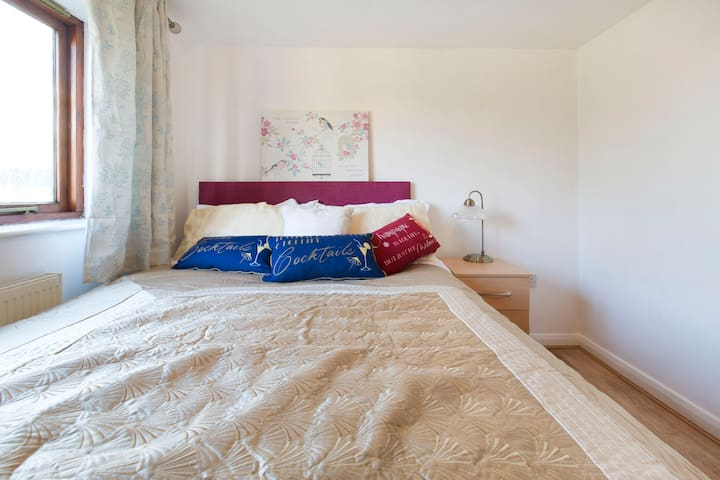 Bedroom 3 - Double in a Beautiful 5 bed house