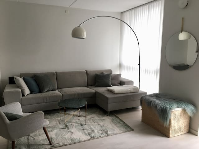 Modern flat close to city center and water