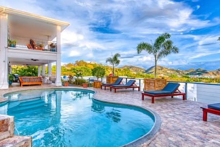 Casa Soma - villa de lujo con vista al mar