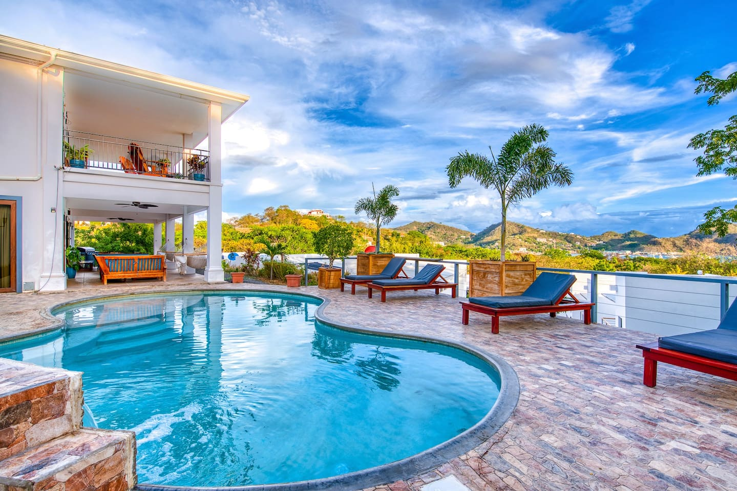 Casa Soma (house) with the pool and beach view