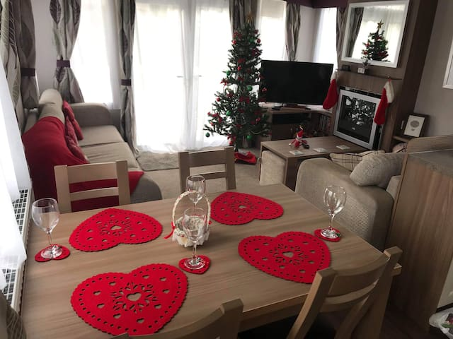 Family Christmas getaway sleeps 8 xx