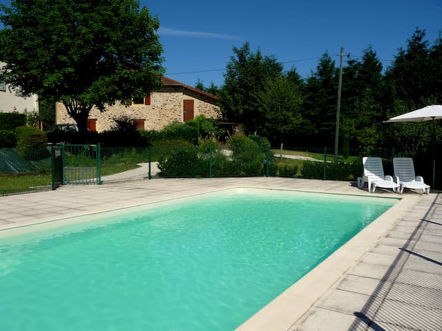 Stunning studio w/ pool near beach - Angoisse - Flat