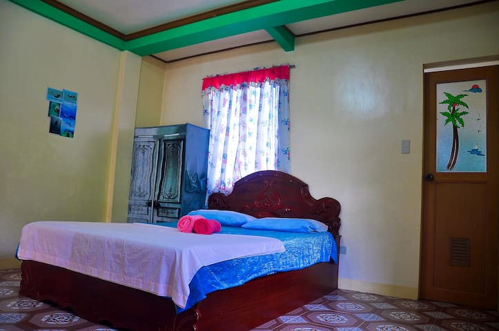 5min to Whitebeach S2, Guest Room 1 - Malay - Byt
