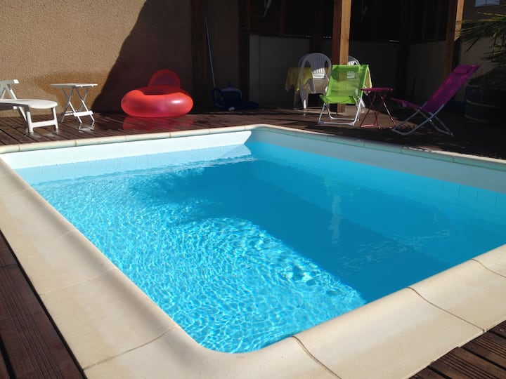 Chambre dans maison avec piscine - quartier calme
