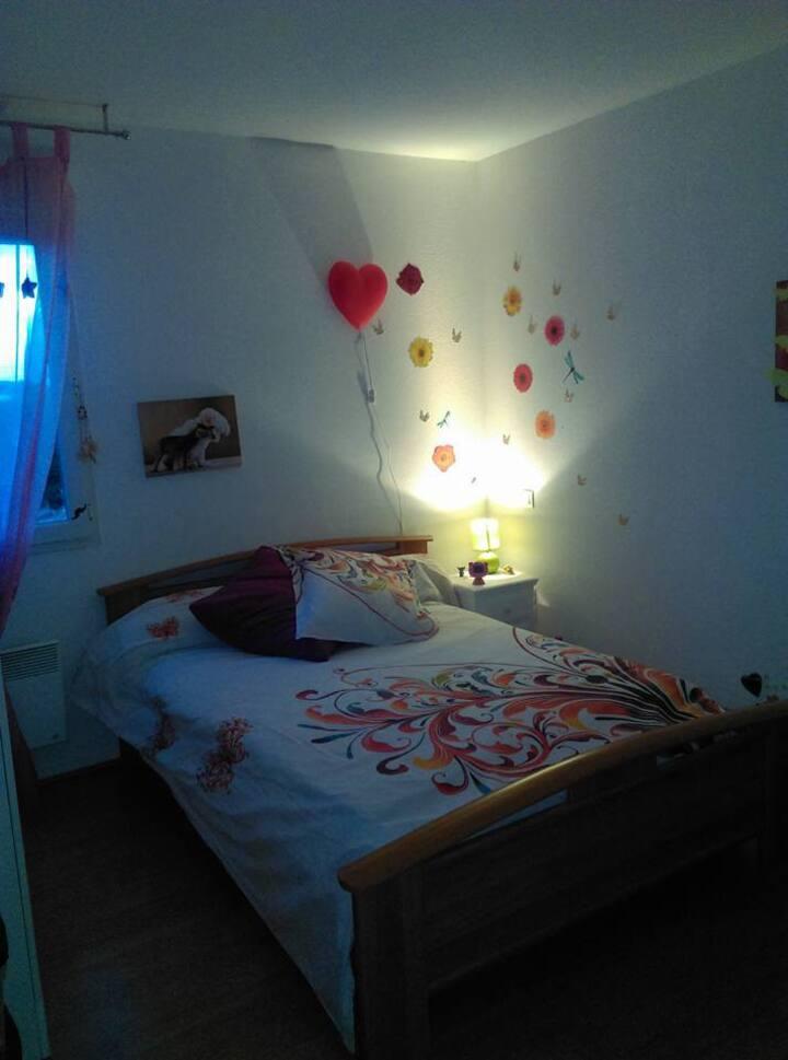 Chambre individuelle de 12²_Dans petite résidence