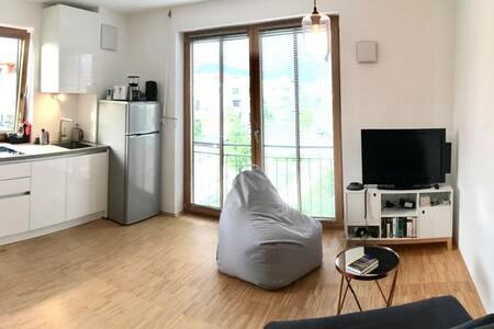 Topmodernes Studio: Sommer im bayrischen Inntal