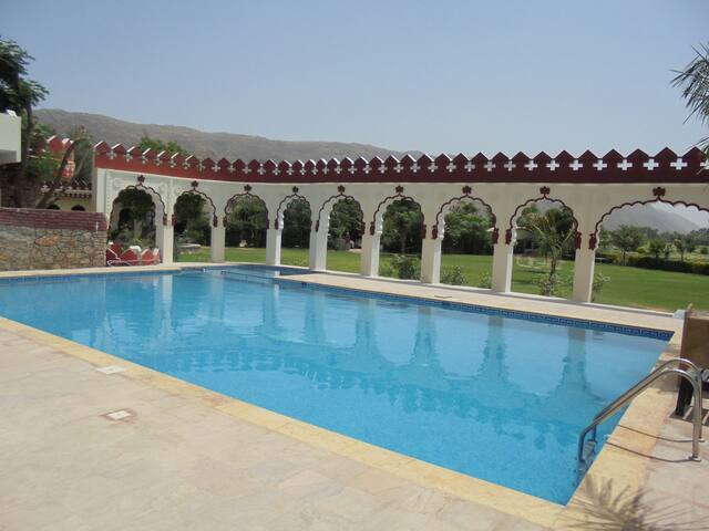 Deluxe Cottage at Resort in Pushkar 4