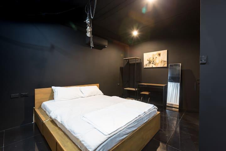 4floor-1 bedroom in Villa w Rooftop,Gym,Cinema,Bar