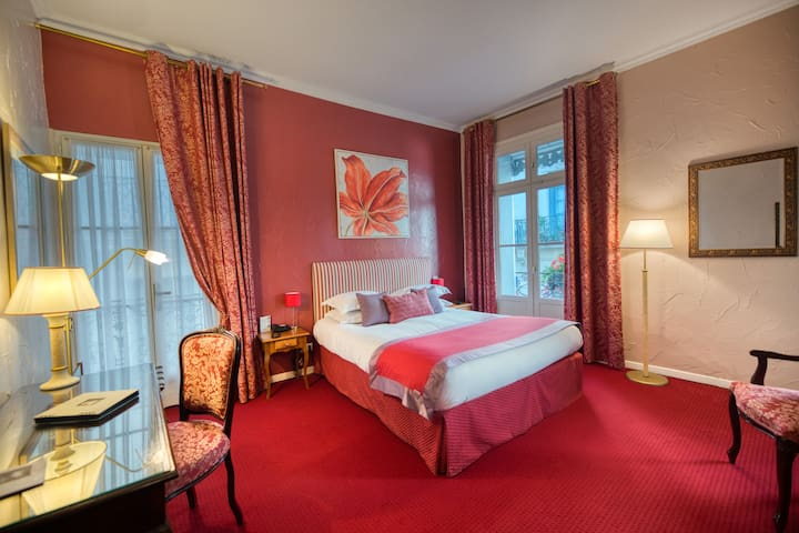 Hôtel Aragon 3* Deluxe with Shower - B&B Offer