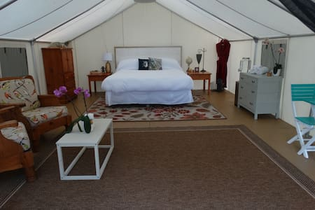 Glamping Tent Suites - Sundridge