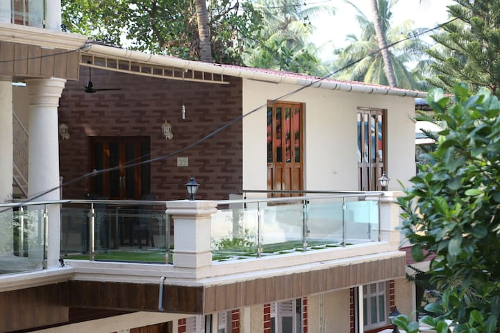 Shree Cottage Deluxe Room