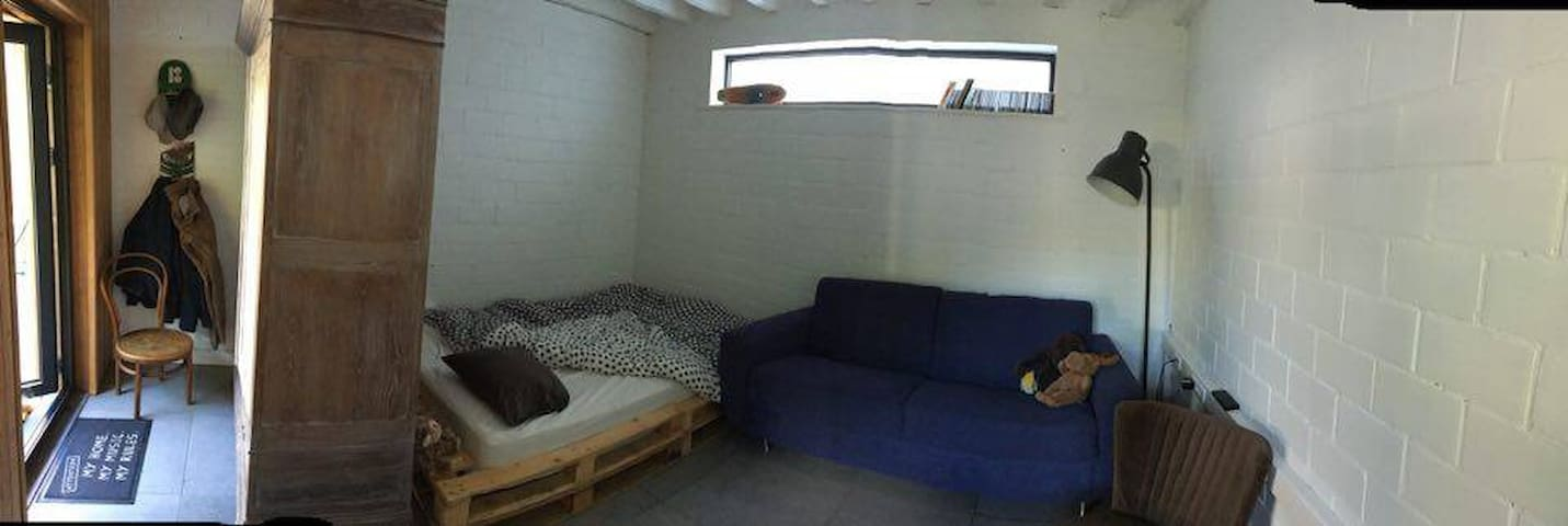 1 Room nearby Tomorrowland - Boom - Huis