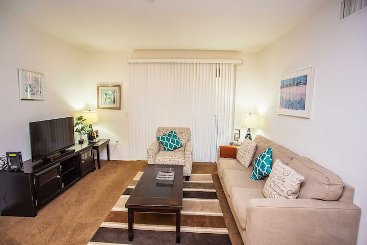 #2853 Quiet 2Br/2Bath with Pool View - Irvine - Lejlighed