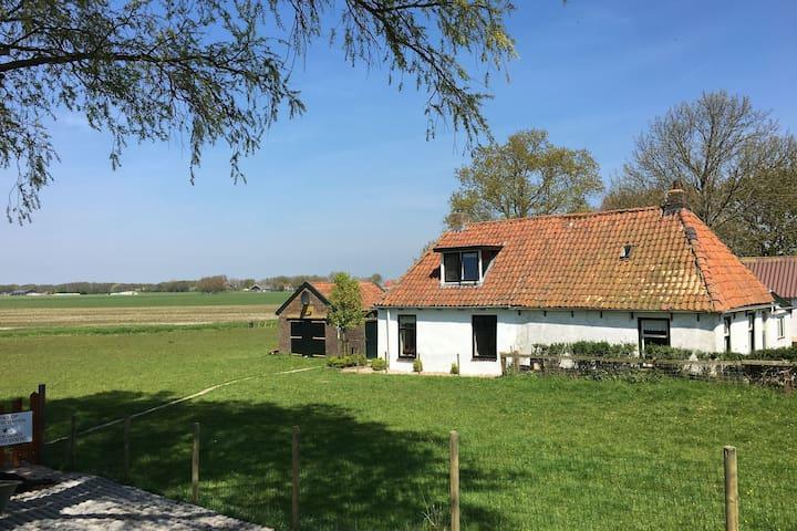 Vacanze in Frisia Laaksum, a 150 metri dal IJsselmeer.