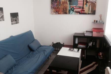 Fully furnished flat - Marseille - Wohnung