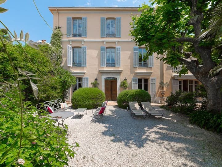 Juan les Pins - Villa Glycine in an Oasis of Charm