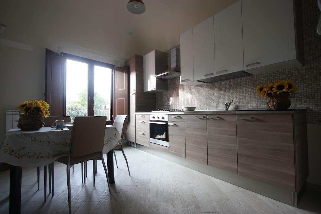 Cucina soggiorno dell'appartamento
