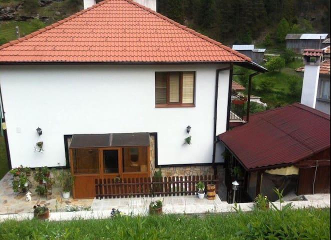 Villa Rossy Trigrad-cosy and warm - Trigrad - Rumah