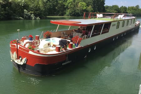 Luxury private floating hotel ship - Strasbourg