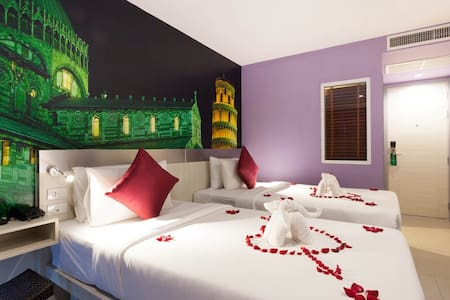 One Bedroom Europe Theme - Phuket, Thailand - Bed & Breakfast