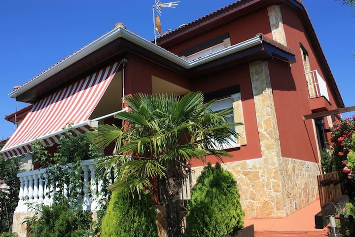 LA CASITA DE LA SIERRA DELUXE - El Espinar - Casa de campo