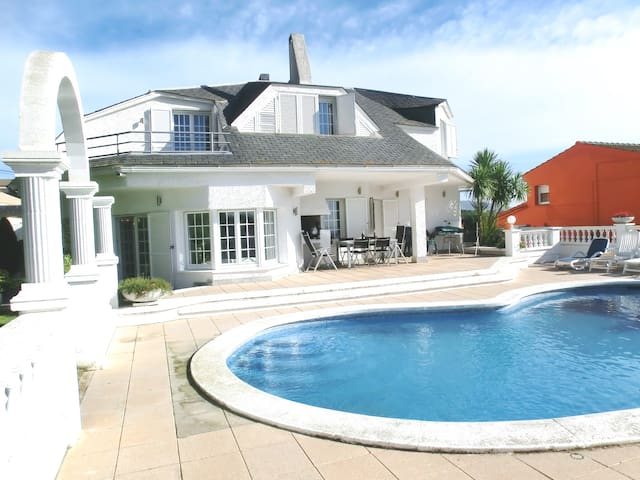 Villa Montemare (Blanes)