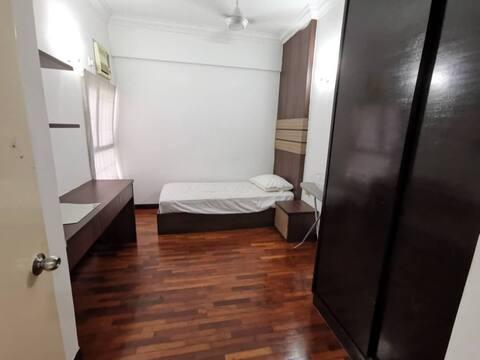 Seri Maya (Midioom room) share unit d18