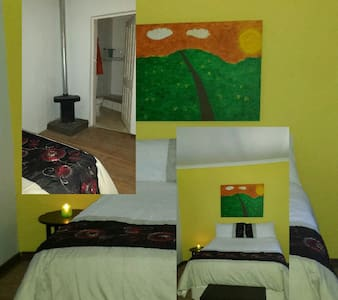 Molumong Lodge: Yellow Room. - Molumong, Ha Rafolatsane - 其它