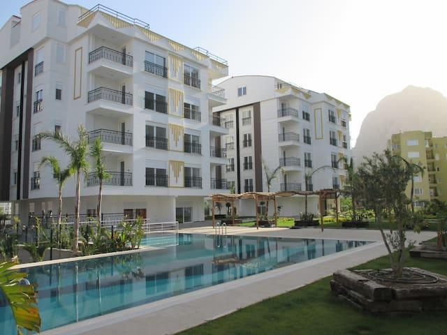 Новая роскошная квартира на море! - Konyaaltı - Apartment