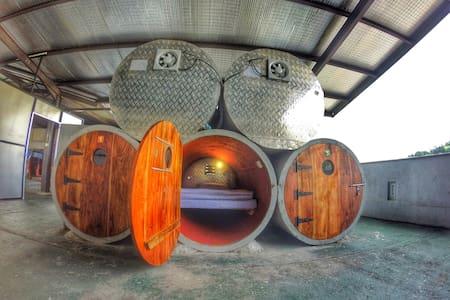 Clock Inn Kandy Capsules Sleepers - Kandy - Hostel