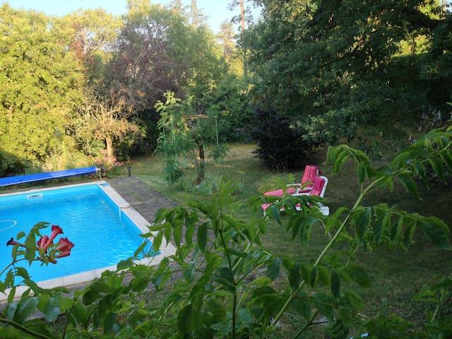 appart' d'hôtes en rez de jardin - Martel - Apartmen