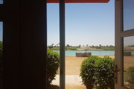Lovely shared  townhouse on the beach in Gouna