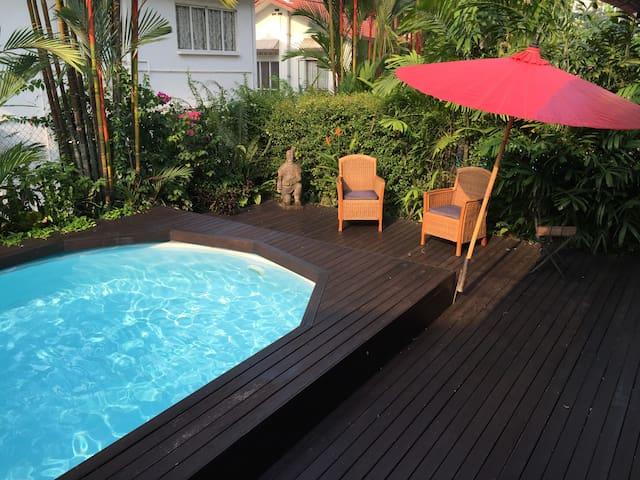 Feel at home in truly Singapore ! - Singapura - Casa