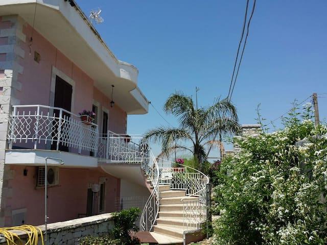 Villa Rosa al mare in Salento pulsano Taranto - Pulsano - Villa