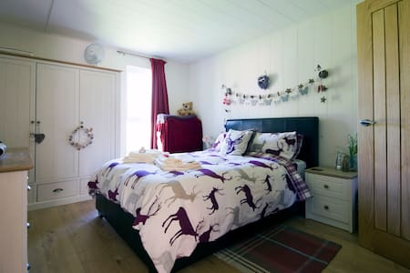 Hazel Lodge a luxury Cabin holiday - Craven Arms