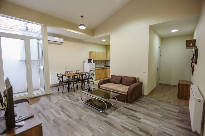 ★ 2BR Apt ★ In ❤ of Tbilisi