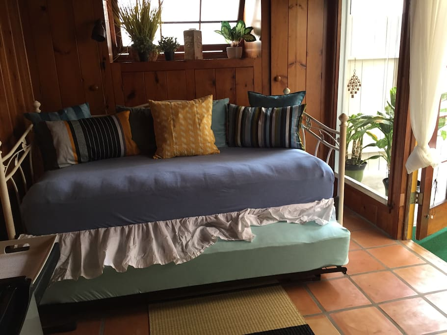 Day bed with pop up trundle bed.