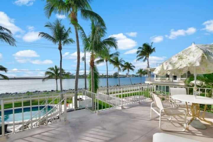 Portside 9-Waterfront -2nd Floor-King 1BD+1Twin/Dog Friendly/Walk to Beach/Pool/Tropical Paradise!
