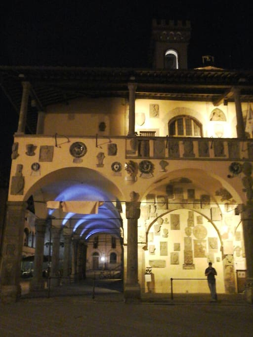Piazza principale by night (100mt da casa)