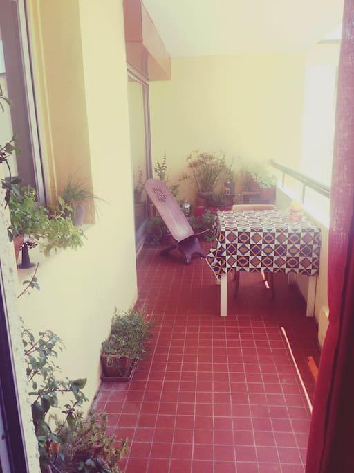 Notre petite terrasse, vu depuis la chambre.