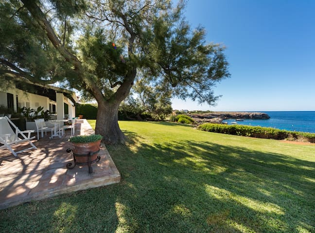 Villa with sea access and mooring in Sant Luis - Cap d'en Font - Casa