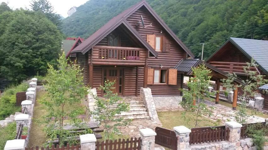 Villa Bianca - Kolašin - Casa