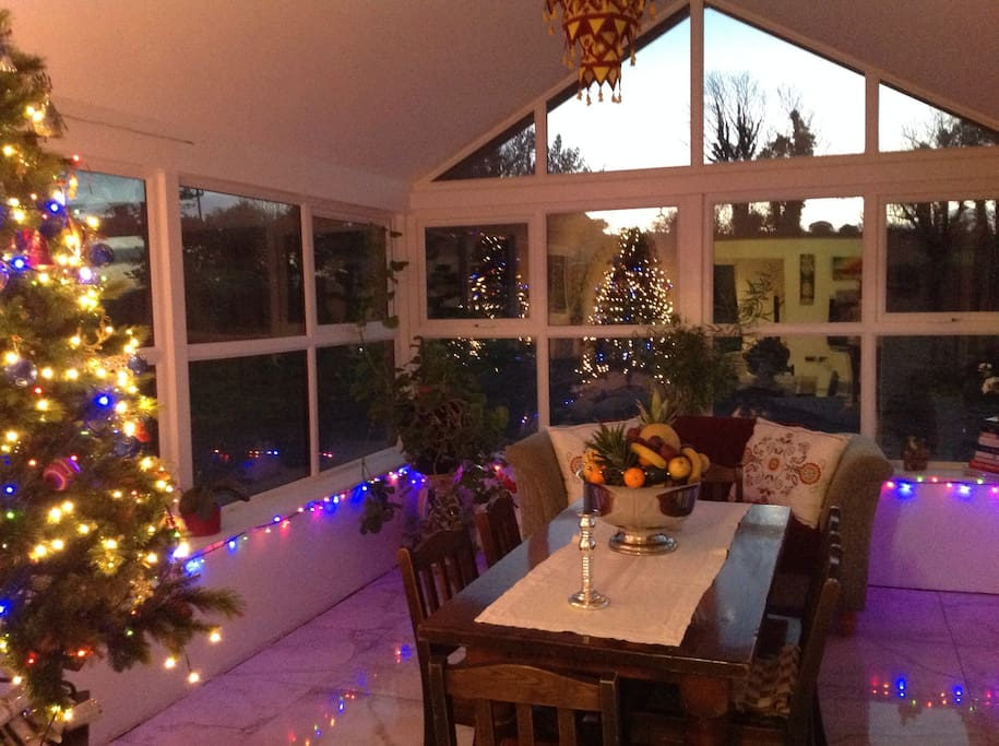Sun/diningroom