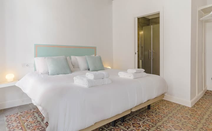 'Toro' a Boutique Room in the Heart of Ayamonte