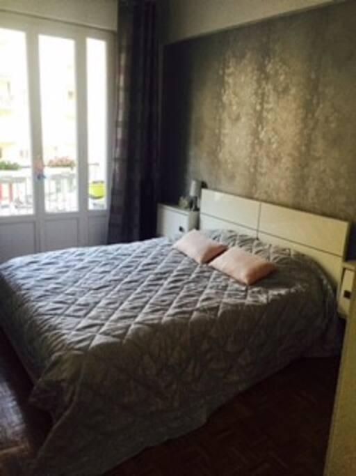 Chambre confortable promenade des anglais appartements for Chambre a louer sur nice