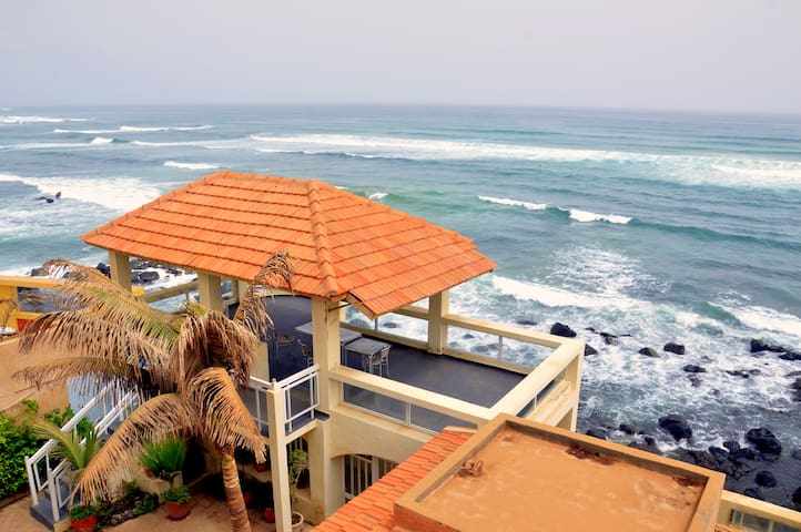"Villa Tosca: appartement ""Fleury"" (vue sur rue) - Dakar - Kondominium"