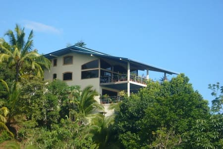 Seaview Villa with Pool - Manuel Antonio - Villa