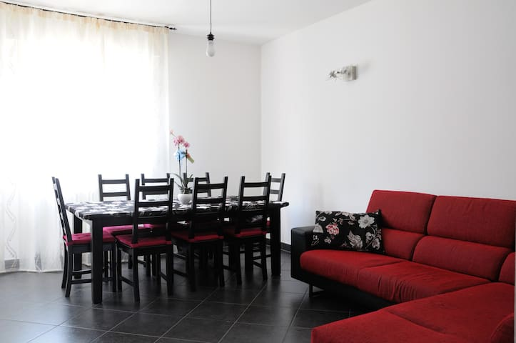 Large double with breakfast & wi-fi - Imola - Apartemen