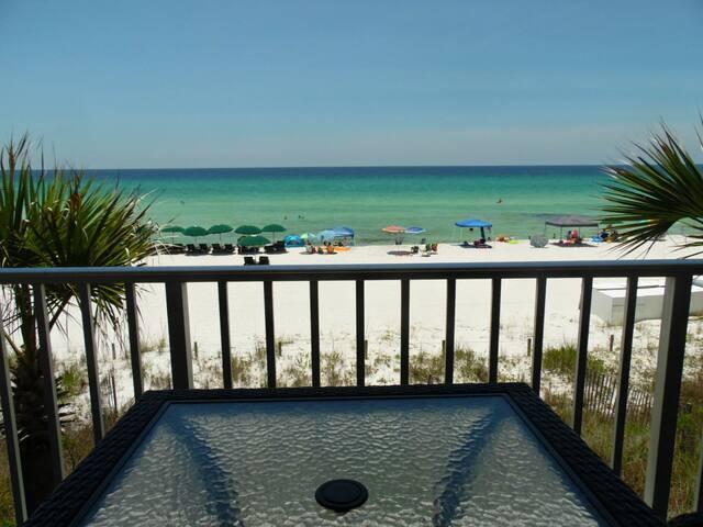 NWB7 - Cozy Beachfront Condo in PCB