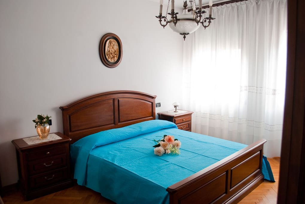 Airbnb  Bed Flat Rent A Room Relief
